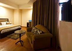 奥拉@机场酒店 - 新德里 - 睡房