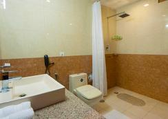 奥拉@机场酒店 - 新德里 - 浴室