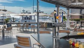 纽波特港码头酒店 - 纽波特 - 餐馆