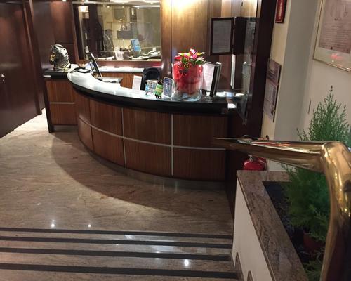 卡洛比欧酒店 - 米兰 - 柜台