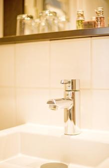 法兰克福布里斯托尔酒店 - 法兰克福 - 浴室