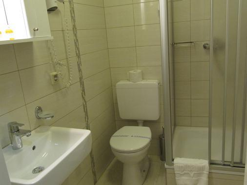 中央火车站酒店 - 什未林 - 浴室
