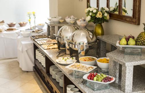 内路达酒店 - 圣地亚哥 - 食物