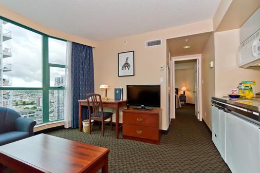 罗瑟达尔罗布森套房酒店 - 温哥华 - 客厅