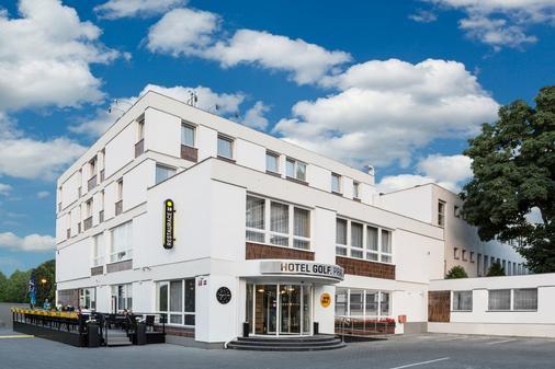 布拉格高尔夫酒店 - 布拉格 - 建筑