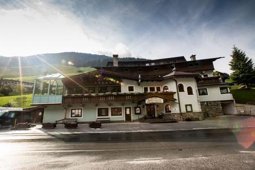 霍勒斯滕昂德家庭运动酒店 - 图克斯 - 建筑