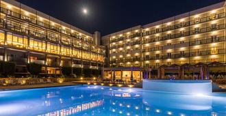 阿瑞提大酒店 - 科孚