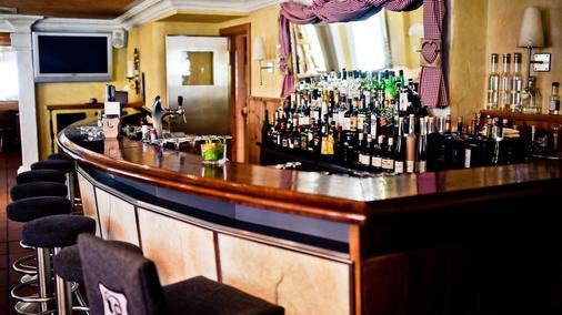 胡伦高级罗曼蒂克酒店 - 采尔马特 - 酒吧