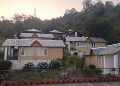 新奇度假村 - 达兰萨拉 - 建筑