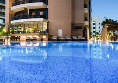 迪拜大华酒店 - 迪拜 - 游泳池