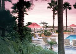 菲诺港滨海酒店-贵族之家 - 雷东多海滩 - 游泳池
