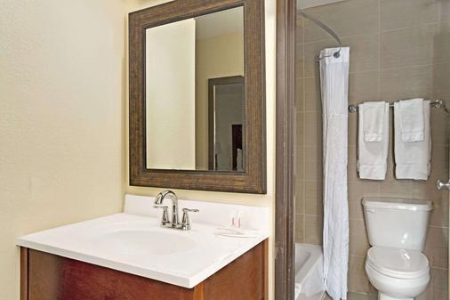 拉斯维加斯速8酒店 - 拉斯维加斯 - 浴室