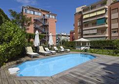 缇贝托大酒店 - 罗马 - 游泳池