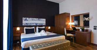 缇贝托大酒店 - 罗马 - 睡房