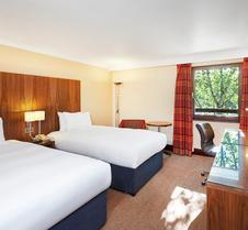 南安普敦希尔顿逸林酒店
