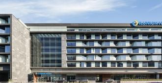 伊鲁尼阿垂姆康福特尔酒店 - 马德里 - 建筑