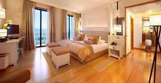 意大利皇家别墅大酒店&水疗中心 - 卡斯卡伊斯 - 睡房