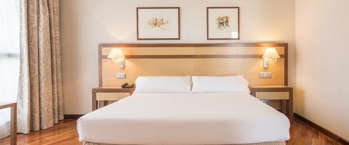 伊鲁尼阿尔卡拉北部酒店 - 马德里 - 睡房