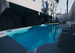 洛杉矶雪尔特酒店 - 洛杉矶 - 游泳池