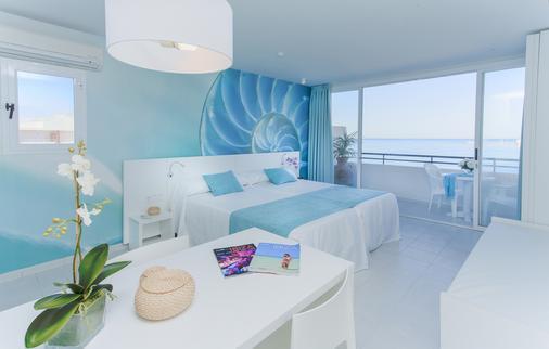 玛丽娜海滩酒店公寓 - 仅限成人入住 - 圣安东尼奥 - 建筑
