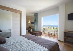 伊维萨艾乐索酒店 - 伊维萨镇 - 睡房