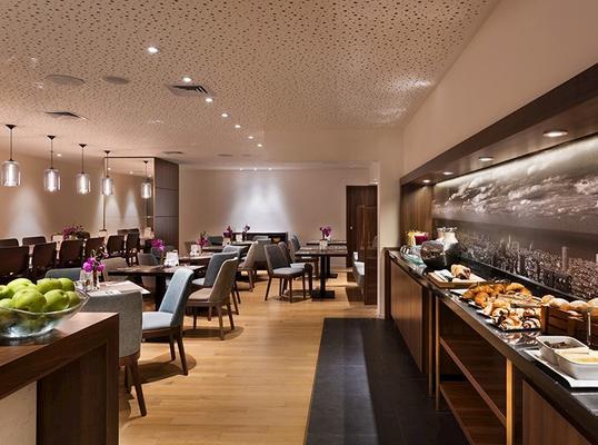 伊斯洛特塔全套房酒店 - 特拉维夫 - 自助餐