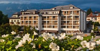洛韦克贝斯特韦斯特高级酒店 - 布莱德 - 建筑
