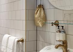 柏林库达马多穆斯酒店 - 柏林 - 浴室