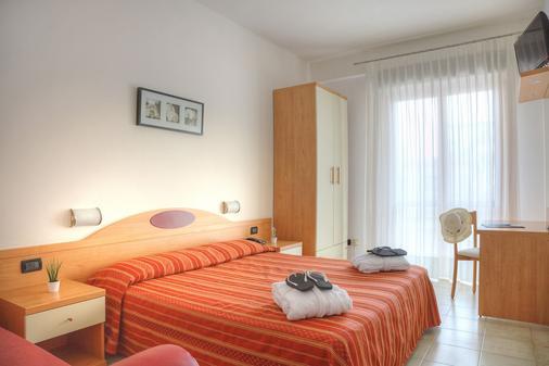 Hotel Menfi - Jesolo - 睡房