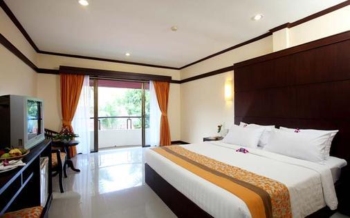 巴东海滩地平线温泉度假酒店 - 芭东 - 睡房