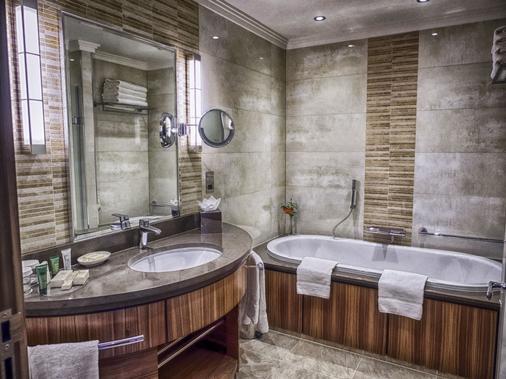 伦敦帕丁顿希尔顿酒店 - 伦敦 - 浴室