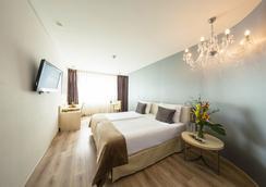 柏灵阿巴巴酒店 - 柏林 - 睡房