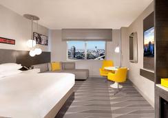 雷迪森洛杉矶机场酒店 - 洛杉矶 - 睡房