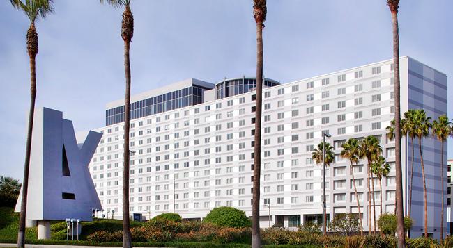 雷迪森洛杉矶机场酒店 - 洛杉矶 - 建筑