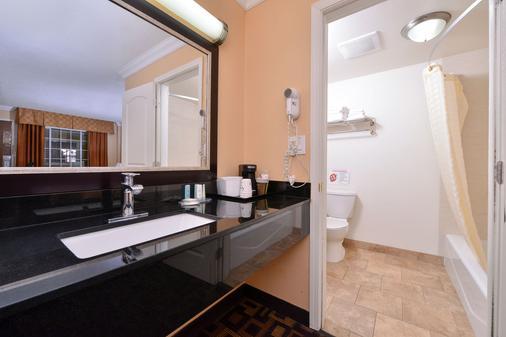 海滩木板路火炬酒店 - 圣克鲁兹 - 浴室