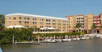 第五大道湾畔酒店 - 拿坡里