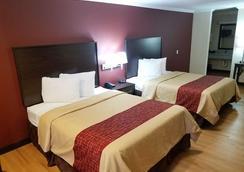 麦卡伦机场红顶酒店 - 麦卡伦 - 睡房