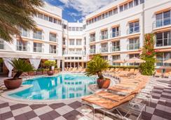 普利茅斯南海滩酒店 - 迈阿密海滩 - 游泳池
