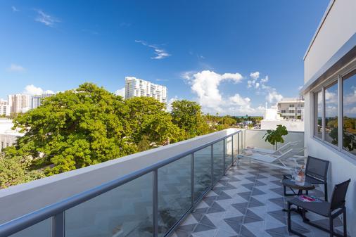 普利茅斯南海滩酒店 - 迈阿密海滩 - 阳台