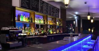 海洋吉安布鲁度假村 - 彭朗 - 酒吧