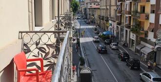 拉穆萨住宿加早餐旅馆 - 阿雷佐 - 阳台