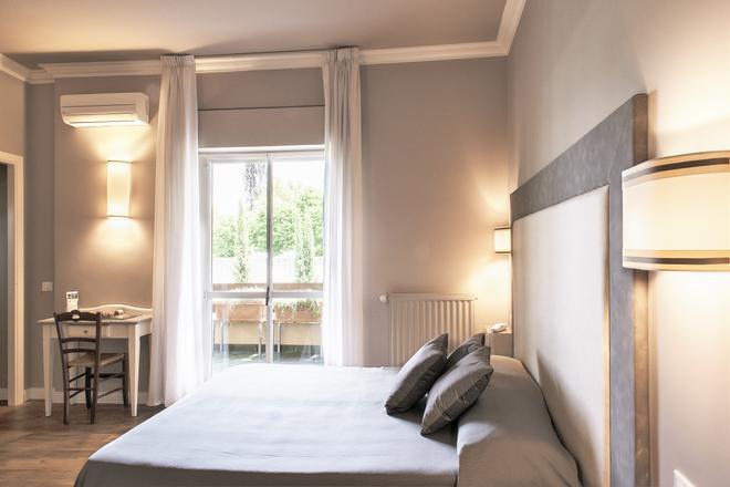 龙胆酒店 - 罗马 - 睡房