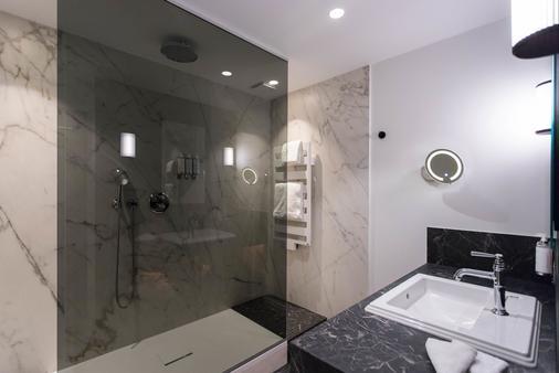 胭脂公寓酒店 - 斯特拉斯堡 - 浴室