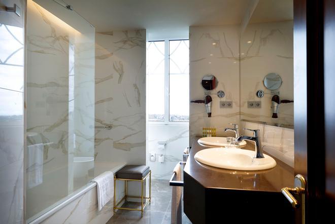 欧洲之星皇家酒店 - 桑坦德 - 浴室