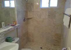 卡梅尔丰收套房旅馆 - 卡梅尔海 - 浴室