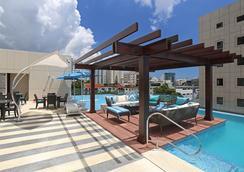 圣多明各洲际里尔酒店 - 圣多明各 - 游泳池