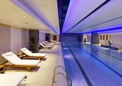农庄塔桥酒店 - 伦敦 - 游泳池