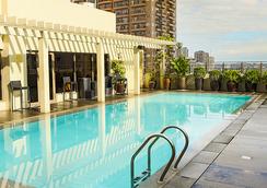 马尼拉阿曼达酒店 - 马尼拉 - 游泳池