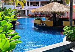 普吉巴东海滩瑞士酒店 - 芭东 - 酒吧