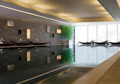 香港天际万豪酒店 - 香港 - 游泳池
